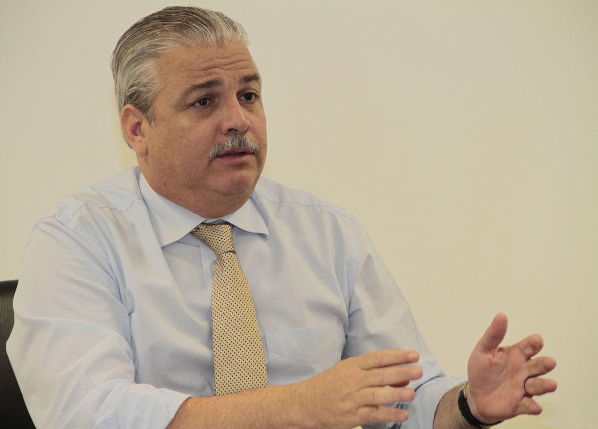 """Antônio Figueira (PE): """"É preciso enxergar integralmente a questão da saúde pública, sem abrir mão de uma atuação mais pontual diante de cada demanda""""."""