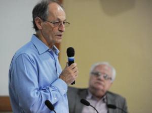 Debate aconteceu no Salão Internacional da ENSP/ Foto: Peter Iliciev