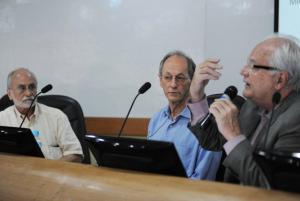 Paulo Buss fala aos presentes no Salão Internacional/ Foto: Peter Iliciev