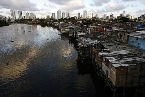 Desigualdades reforçam a exclusão do acesso à cidade e à moradia adequada para grande parcela da população
