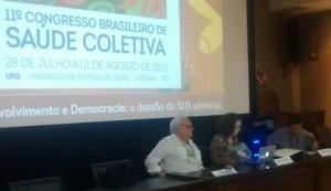 Mesa foi composta por Paulo Buss, Deisy Ventura e Álvaro Matida durante o debate