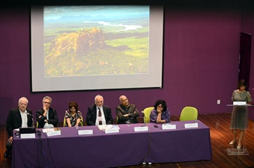 Patrícia Tavares Ribeiro fala durante a abertura do evento/ Foto: Virgínia Damas/ENSP